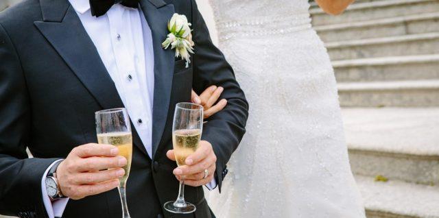 Le vin de champagne roi des cérémonies